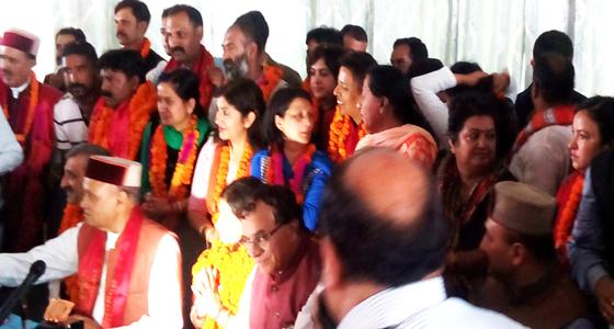 कांग्रेस व अपने बागी के दम पर शिमला MC पर भगवा लहरा पाई नडडा-धूमल खेमे में बंटी BJP,धूमल का जांच का छौंक