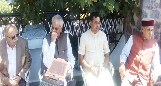 जेटली की तरह मोदी के मित्र CM वीरभद्र पर हमलावर हुए BJP प्रवक्ता संबित पात्रा,CBI, ED के दागी Action पर मौन
