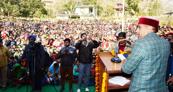 CM जयराम ने स्नान-पूजा की ,शनिदेव की प्रतिमा का अनावरण किया, फिर  MOOD बनाकर बरसे वीरभ्ाद्र सरकार पर