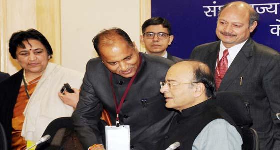 35 हजार करोड़ की छूट हड़प चुके उद्योगपतियों के लिए खैरात मांगी  CM जयराम ठाकुर ने