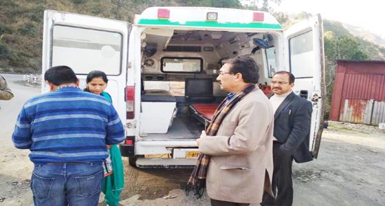 जयराम के मंत्री ने पकड़ी 108 एंबुलेंस,जिसमें न दवा न हवा, अब क्या होगा