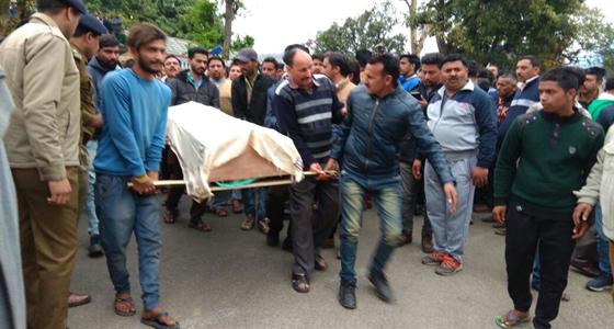 धूमल के क्रप्शन मामले सुलटाने में मग्न जयराम सरकार, कांगड़ा में दूसरा गुडिया कांड लाश संग चक्काजाम