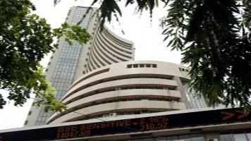 दो दिन में निवेशकों की पांच लाख करोड़ रुपये की पूंजी डूबी