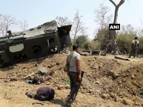 सुकमा नक्सली हमले में 9 जवान शहीद, CM रमन सिंह ने बुलाई आपात बैठक